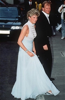 5e64826b7f 14 vestidos de festa de Lady Di que poderíamos usar hoje mesmo ...