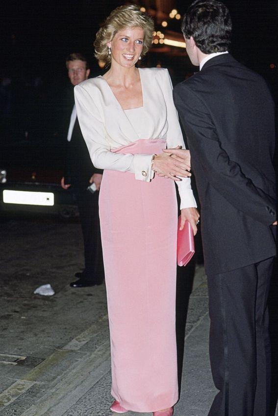 Vestido de mangas branco com rosa